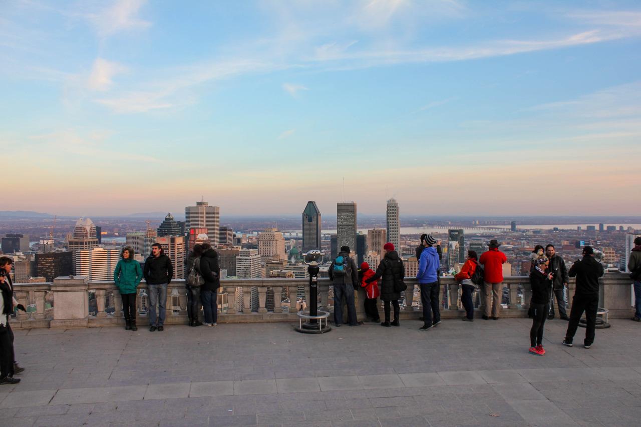 Ascension et coucher de soleil vu du Mont-Royal – Montréal, QC, Canada